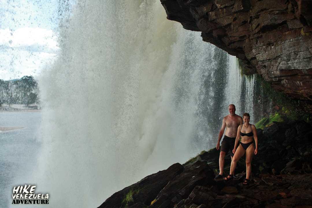 days tour: Canaima Lagoon + Angel Falls | hike-venezuela.com
